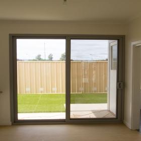 Bisagras de aluminio puertas corredizas puertas de patio for Puertas de vidrio corredizas para exteriores